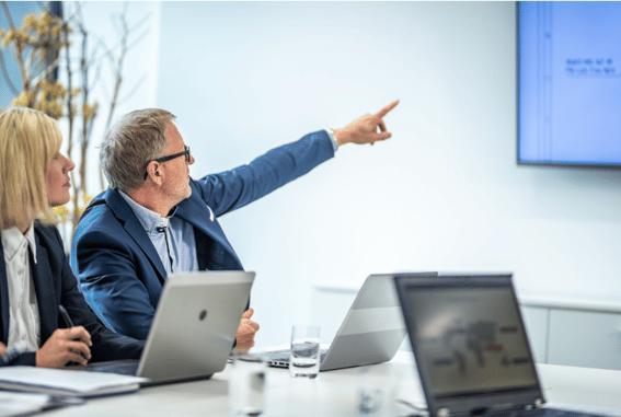 Adminhelp hjælper med powerpoint præsentationer og kommunikation